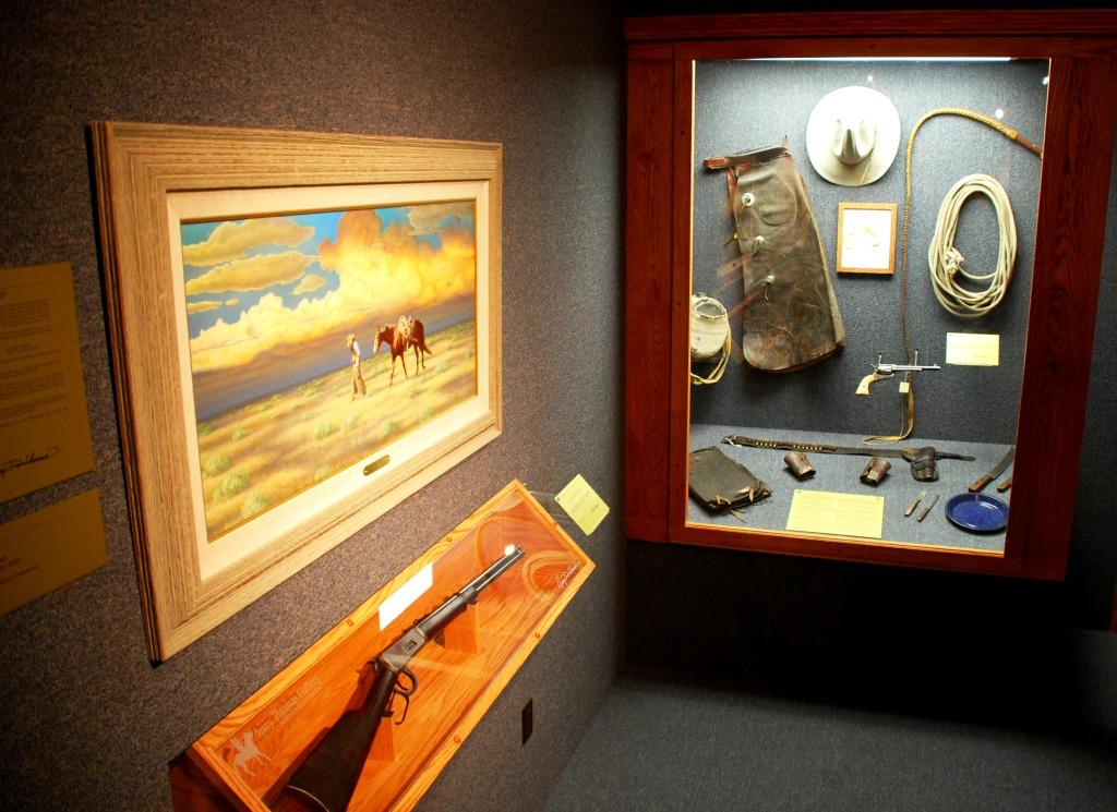 Western Art and Artifacts in the Jerry Thomas Gallery & Collection